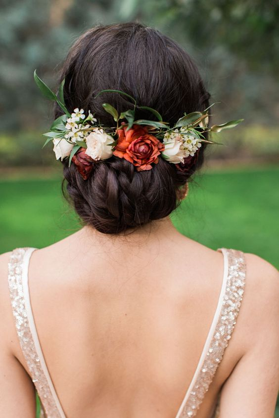 17 Amazing Wedding Hairstyles With Flowers Parfum Flower