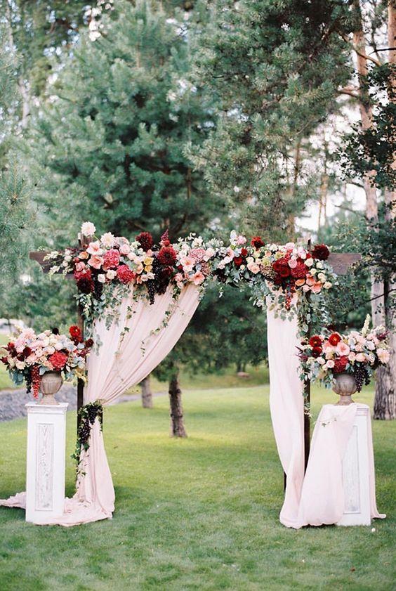 20 Charming Ideas For A Burgundyblush Wedding