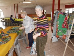 Evelyne et Marie France à l'artisanat