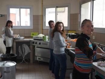Malika, Anne Laure, Maïna et Christelle en cuisine