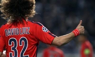 David Luiz ne devrait pas jouer au milieu de terrain..puisqu'on joue à 11