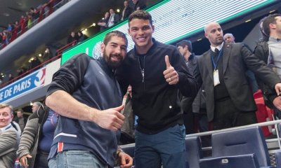 Thiago Silva fête le titre avec le PSG handball