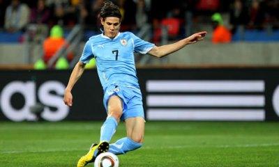 Cavani a passé les tests du dimanche et voyagera avec l'Uruguay au Chili