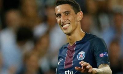 Le Parisien évoque les corners joués à deux par le PSG, avec les pour et les contres