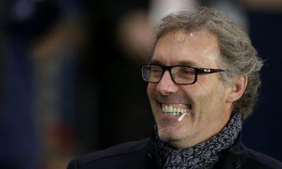 Le FC Barcelone dément les contacts annoncés avec Laurent Blanc