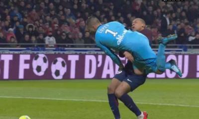 """Anthony Lopes """"Mbappé était concentré sur le ballon...Moi, j'ai le temps de préparer mon geste et me protéger"""""""