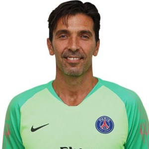 Gianluigi Buffon gardien Paris Saint-Germain (PSG)