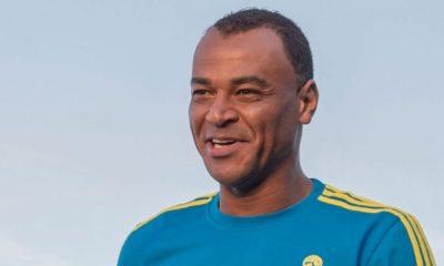 Traitement de Neymar en France, Cafu défend le corps arbitral