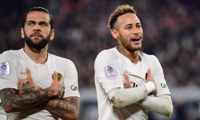 """Dani Alves """"Neymar ? Je continue de penser que son bonheur se trouve à Barcelone"""""""