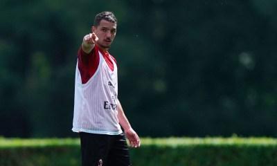 """Mercato - Le PSG propose """"un contrat en or"""" à Bennacer, selon Compétition"""