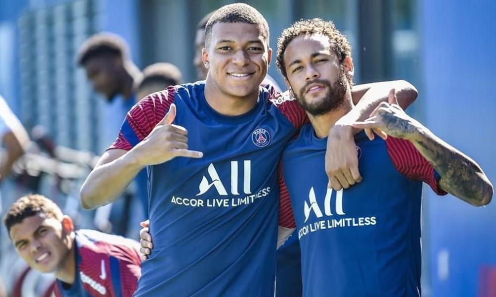 Les images du PSG ce lundi : Célébration de la victoire et soutien à Aurier