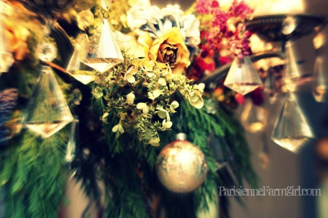 How to Decorate Your Chandeliers for Christmas