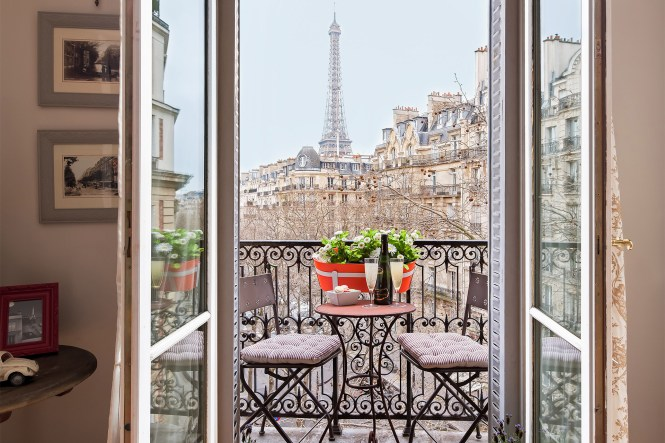 Designer Three Bedroom Paris Holiday Apartment Perfect