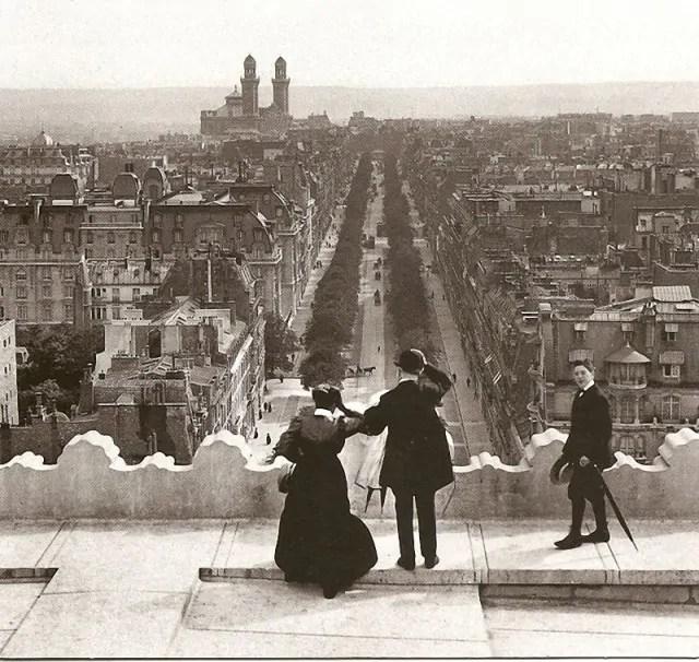 paris-avant-arc-de-triomphe-1900