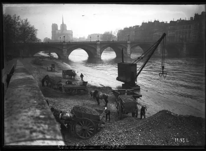 Inondation_au_pont_de_la_Tournelle-Paris-1910