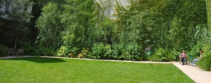 pique-nique-paris-jardin-francs-bourgeois