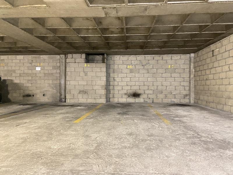 A vendre : Lot de 3 parkings à Convention Parkagence
