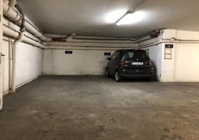 parking 86 29 rue du Colisée 75008 Pari