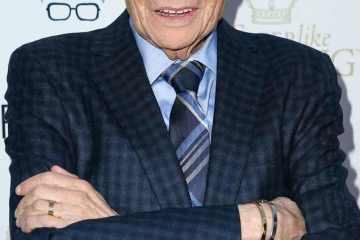 rs 634x1024 170913114128 634 larry king red carpet.ls.91317