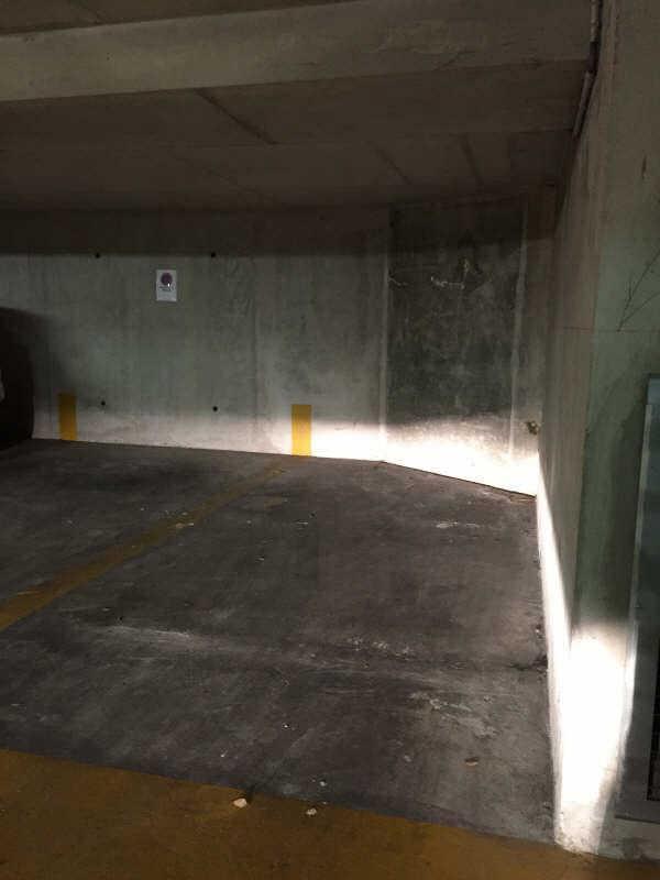 vente parking 13005