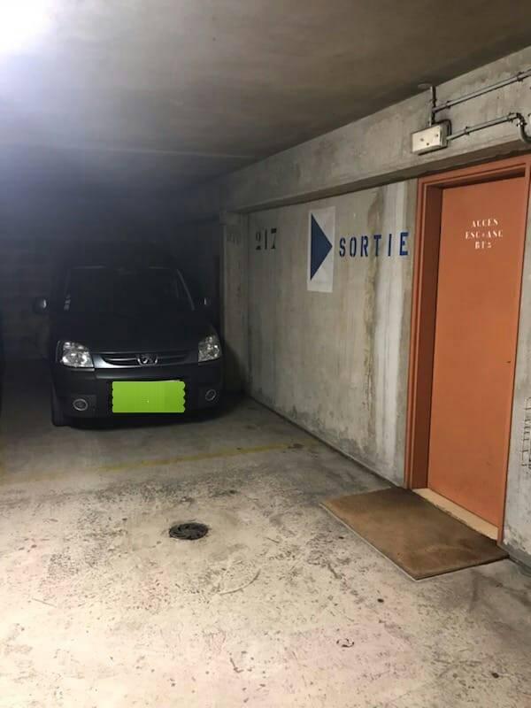 vente parking becon les bruyeres