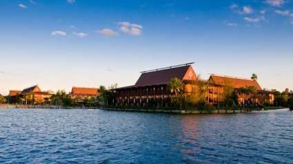 polynesian village hotel