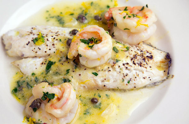 Filetti-di-orata-con-gamberi-in-salsa-al-limone-ricetta-parliamo-di-cucina