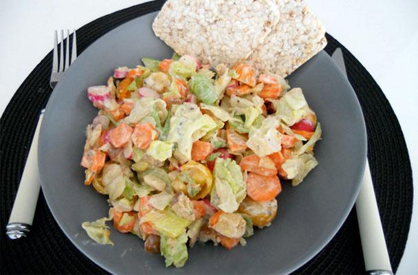 Insalatona-New-York-style-ricetta-parliamo-di-cucina
