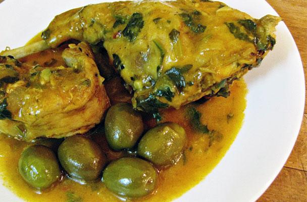 Coniglio-allo-zafferano-con-olive-verdi-ricetta-parliamo-di-cucina