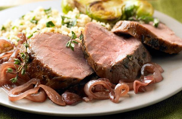 Filetto-di-maiale-confit-in-olio-extravergine-al-timo-ricetta-parliamo-di-cucina