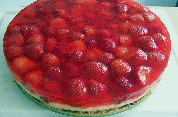 Cheesecake-al-mascarpone-e-fragole-ricetta-parliamo-di-cucina