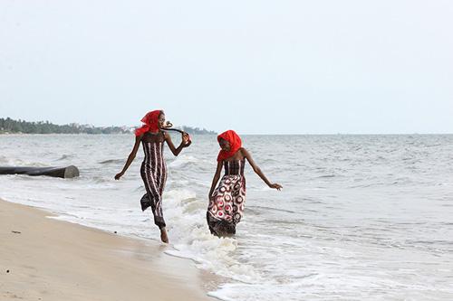 Gabon, spiaggia di Libreville (©Ramazzotti/Parallelozero)
