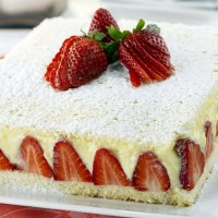 Torta di fragole con crema chantilly