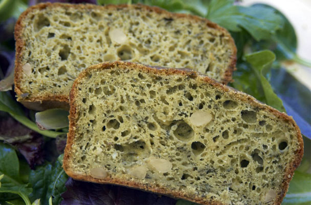 Cake-al-pesto-e-pinoli-ricetta-parliamo-di-cucina