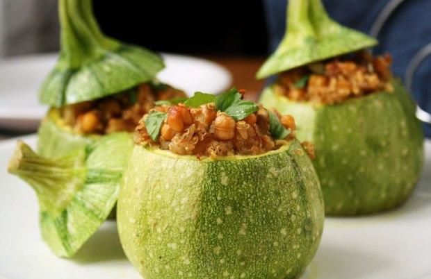Zucchine farcite alla quinoa parliamo di cucina for Cucinare zucchine tonde