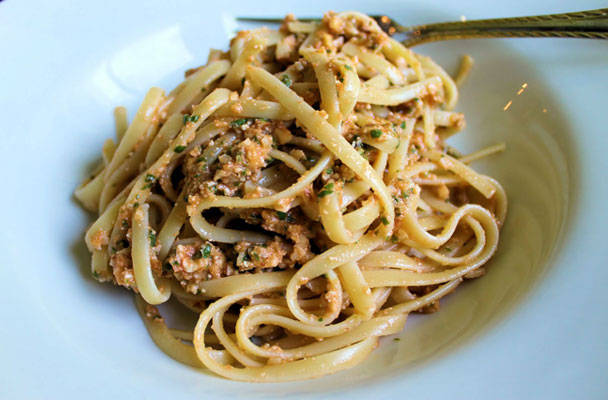 Linguine-al-pesto-trapanese-ricetta-parliamo-di-cucina