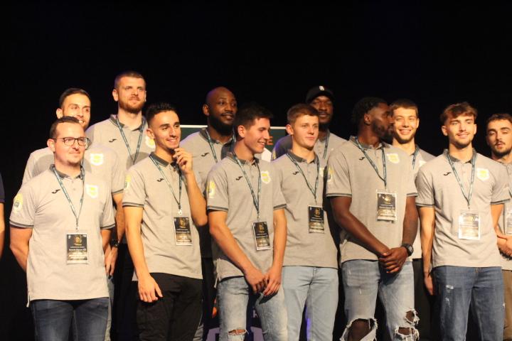 NM2 – Les Enfants du Forez ont présenté leur nouvelle équipe