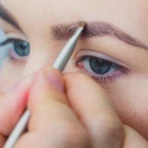 Brow Shaping | Brow Wax | Eyebrow Tinting | Eyebrow