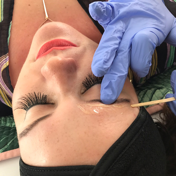 Brow Shaping | Brow Wax | Eyebrow Tinting | Eyebrow
