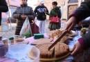 Gruppo Acquisto Solidale GAS Valceno in Piazza a Fornovo la referente Carlotta Podere in Terenzo