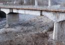 Ponte sul Mozzola lungo la SP di Fondovalle Taro. Serpagli spiega la situazione dopo il crollo di Genova. A breve sarà percorribile l'ex ponte ferroviario