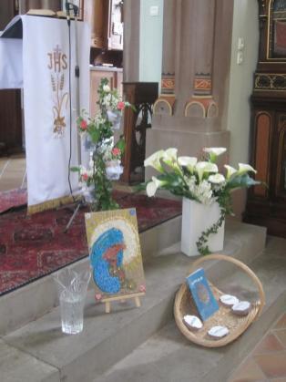 Ettendorf premieres communion 2015 mois de Marie 132b