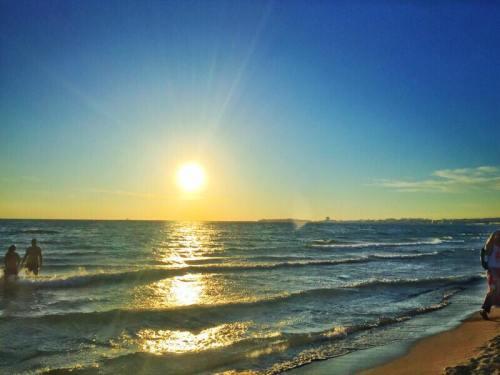 Le spiagge più belle del Salento: tramonto a Baia Verde