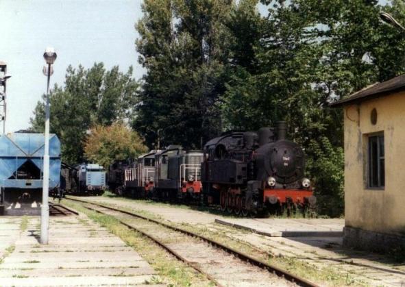 Stary cokół. Obecnie stoi na nim Ls60, SM40 i SM41. Fot.: Miłosz Mazurek.