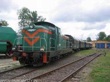 SM42-270 manewruje ze składem retro 21.08.2004. Fot.: © Tomasz Żakowski .