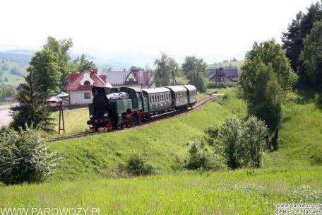 TKt48-191 z ogólnodostępnym pociągiem retro w relacji Chabówka-Dobra koło Limanowej. 04.06.2005. Fot.: Miłosz Mazurek.