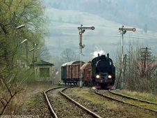 TKt48-191 z pociągiem nr 336091 Mszana Dolna. Fot.: Łukasz Alczewski.