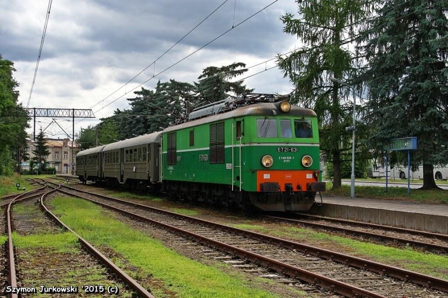 """ET21-631 i zabytkowe wagony z Chabówki z pociągiem """"Kociołkiem"""" i """"Sputnikiem"""" po Małopolsce i Podkarpaciu'2015. Fot.: Szymon Jurkowski."""
