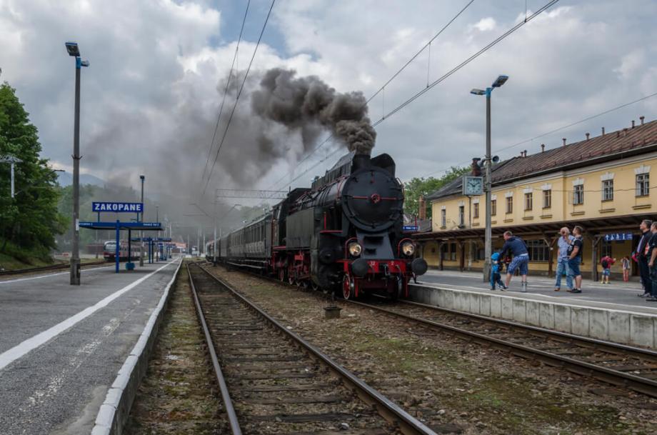OKz32-2 z pociągiem retro towarzyszącym Parowozjadzie. Fot.: Patryk Farana.