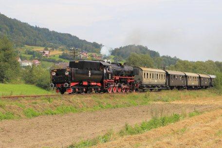 Ty42-24 z pociągiem Mszana Dolna-Chabówka. 21.08.2016. Fot.: Miłosz Mazurek.